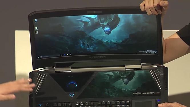 Acer Predator 21X được trang bị màn hình cong và nặng tới 8 kg- (ẢNH CHỤP TỪ THEVERGE).