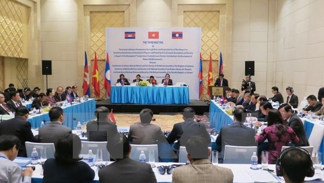 Xây dựng khu vực Tam giác phát triển Việt Nam-Lào-Campuchia- (Ảnh: TTXVN).