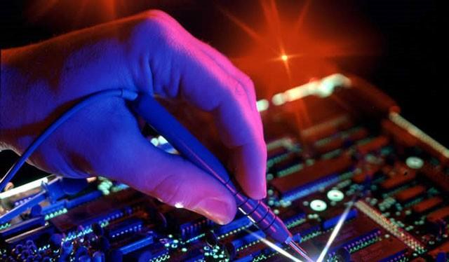 Số lượng công nhân tham gia ngành điện tử tăng rất nhanh.