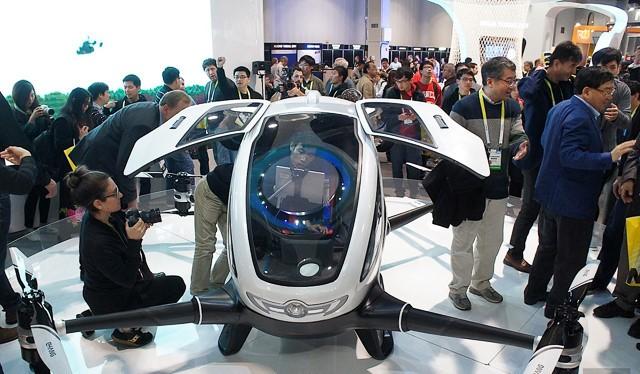 Drone chở người là sản phẩm công nghệ nổi bật trong năm 2016.