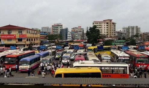 Các bến xe và bãi đỗ ở Việt Nam hiện nay đa phần lạc hậu, hệ thống quản lý còn rườm rà.