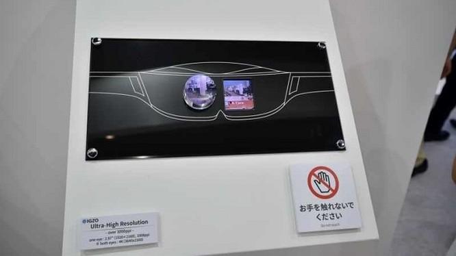 Sharp trình diễn màn hình 1008ppi dành cho kính VR