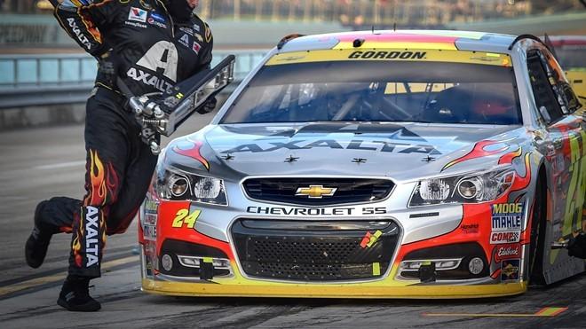 Thi đấu NASCAR nhiều nhất là Jeff Gordon (797 lần) cho đội Hendrick Motorsports từ 15/11/1992 tới 22/11/2015.