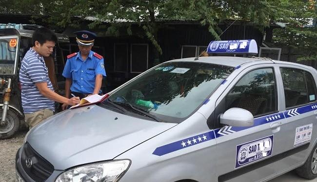 Sở Giao thông vận tải đã thu hồi 636 phù hiệu xe ô tô của 272 đơn vị vận tải trên địa bàn TP. Hà Nội.
