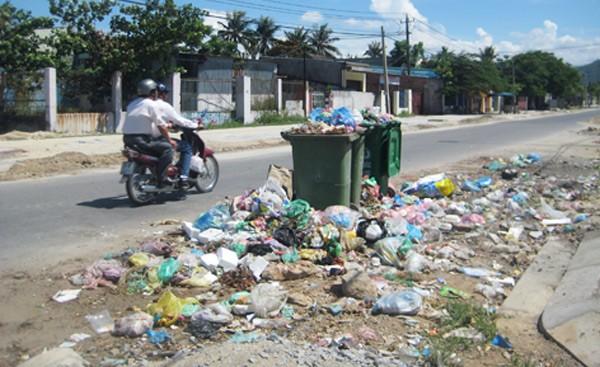 Bộ TNMT xử phạt hành chính 332 tổ chức liên quan đến môi trường.