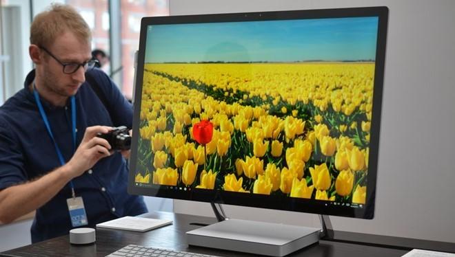 Surface Book là thiết bị không dành cho số đông. Ảnh:The Verge.