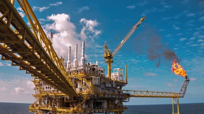 Từ đầu năm đến này thu ngân sách từ dầu thô đạt 30,8 nghìn tỷ đồng.