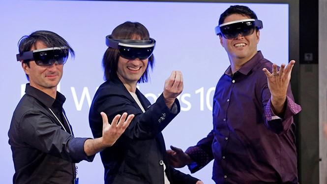 Microsoft đang chứng tỏ tầm ảnh hưởng của mình đối với công nghệ VR- (Ảnh: AFP).