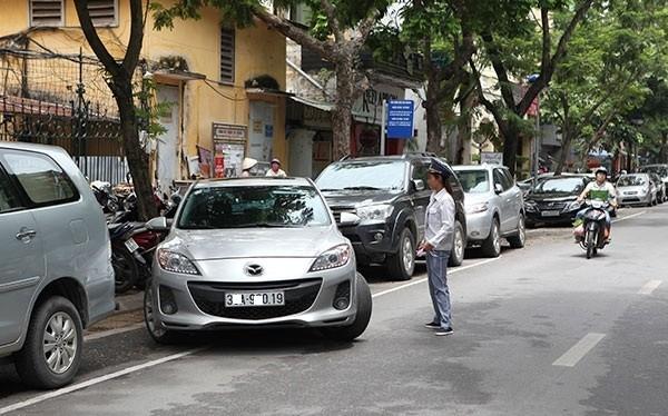 Hà Nội sẽ thí điểm đỗ xe ngày chẵn và lẻ từ tháng 11/2016.