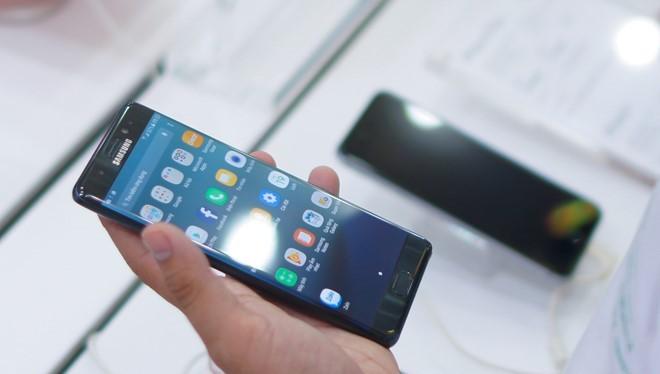 Samsung Galaxy Note 7 là chiếc di động cao cấp yểu mệnh nhất từ trước đến nay. Ảnh: Thành Duy.
