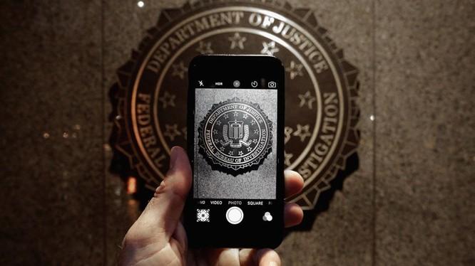 FBI thừa nhận có thể bẻ khóa gần như mọi thiết bị