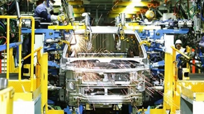 Tính đến năm 2015, ngành sản xuất ô tô có trên 400 doanh nghiệp, tập trung chủ yếu ở khu vực Đông Nam Bộ và vùng Đồng bằng Sông Hồng.
