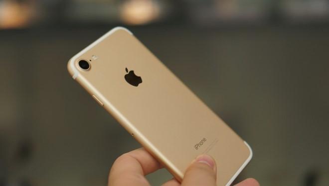 iPhone 7 có sức khác biệt về hiệu suất mạng giữa bản dùng chip modem của Qualcomm và Intel. Apple vừa cố tình thay đổi điều này bằng cách hạn chế hiệu năng của bản dùng chip Qualcomm.