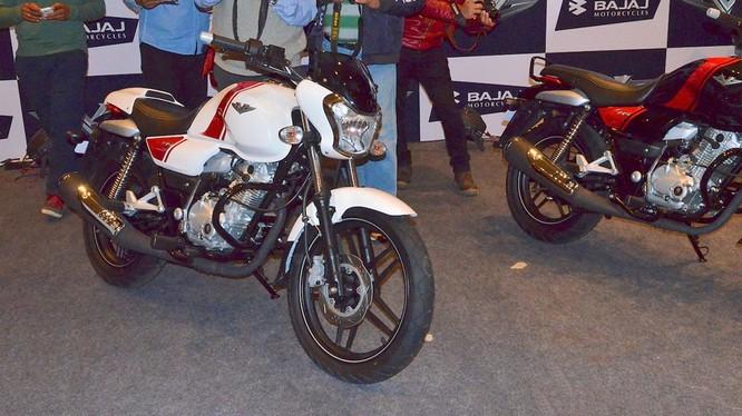 Xe côn tay Bajaj V12