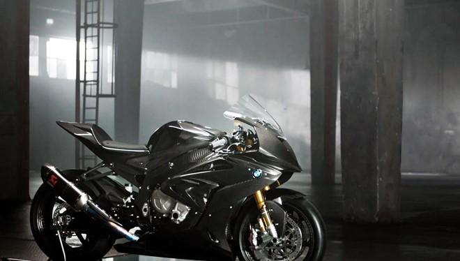 BMW HP4 Race concept có thiết kế chủ yếu từ sợi carbon- (Ảnh: Asphaltandrubber).