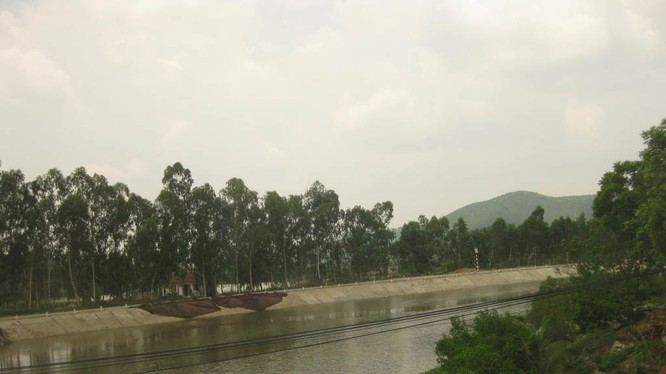 Một đoạn sông Hoàng Mai