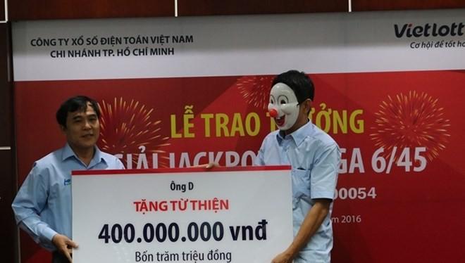 Người trúng vé số 56 tỷ đồng ở Bà Rịa–Vũng Tàu dành 1 tỷ đồng làm từ thiện.