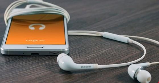 Tai nghe giờ đây không chỉ đơn thuần là thiết bị để nghe nhạc mà nó còn được dùng để nghe lén.