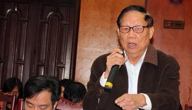"""Nguyên Bộ trưởng Lê Huy Ngọ: """"Điện, đường, trường, trạm... cần thiết cho nông thôn mới"""". Ảnh: CHÂN LUẬN"""