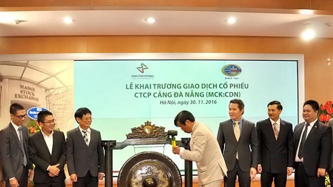 Cảng Đà Nẵng chính thức niêm yết 66 triệu cổ phiếu trên Sàn Giao dịch chứng khoán Hà Nội. (Ảnh: Cảng Đà Nẵng cung cấp)