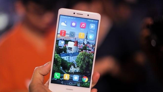 Huawei GR5 2017 là smartphone thú vị trong phân khúc trung cấp.