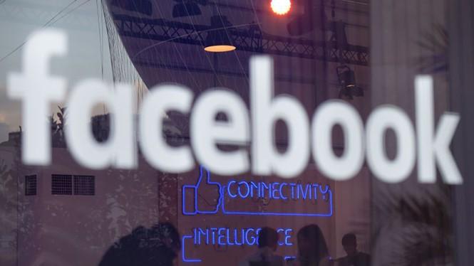Facebook đang phải thực hiện những hành động chống tin tức giả mạo- (Ảnh: AFP).