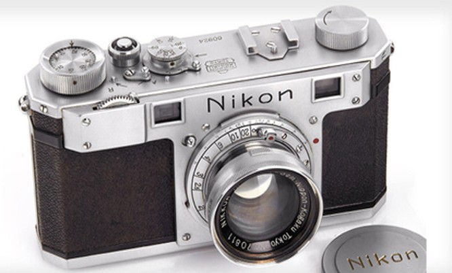 Nikon 1 được sản xuất vào tháng 4/1948.