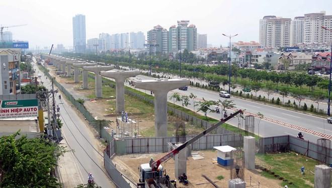 Theo quy hoạch phát triển giao thông vận tải, đến năm 2020 và tầm nhìn sau năm 2020, TP HCM được quy hoạch 5 tuyến đường bộ trên cao với tổng chiều dài khoảng 70,7 km- (Ảnh minh họa).