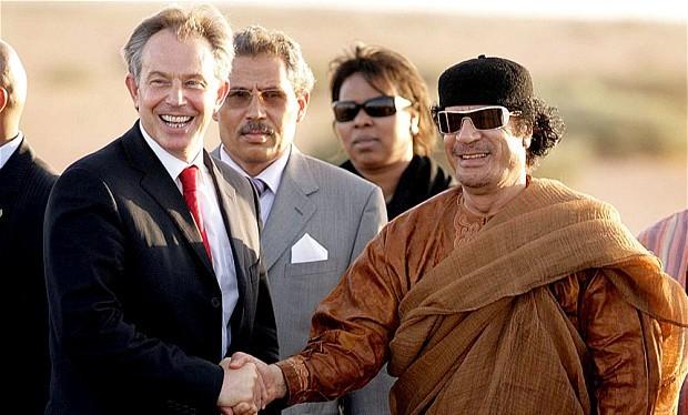 Cựu Thủ tướng Anh Tony Blair và Đại tướng Muammar Gaddafi năm 2007.