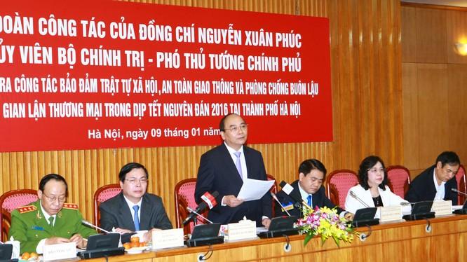 Phó Thủ tướng Nguyễn Xuân Phúc phát biểu tại buổi làm việc. Ảnh: VGP/Lê Sơn