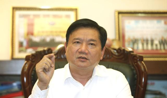 Bộ trưởng Đinh La Thăng trò chuyện với PV Dân trí đầu năm mới.