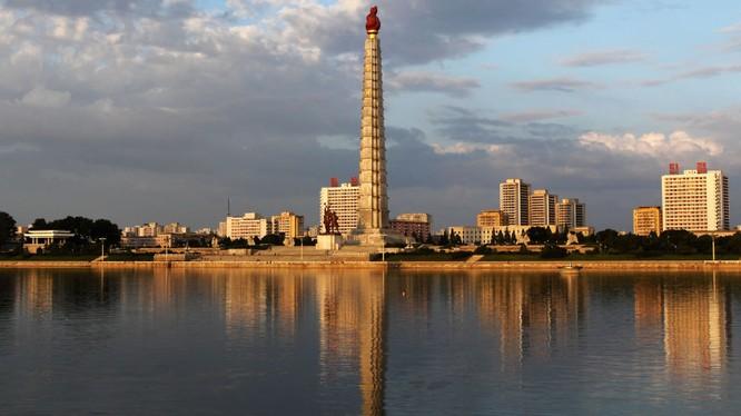 Ai đã giúp Triều Tiên chế tạo tên lửa tầm bắn 10.000km khiến thế giới giật mình?