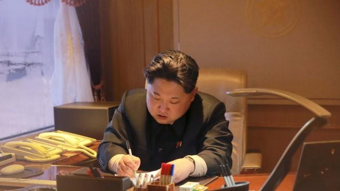 Bất chấp cấm vận LHQ, chính quyền nhà lãnh đao Kim Jong-Un vẫn phát triển vũ khí hạt nhân và tên lửa - Ảnh: Reuters