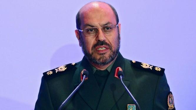 Bộ trưởng Quốc phòng Iran Hossein Dehran.
