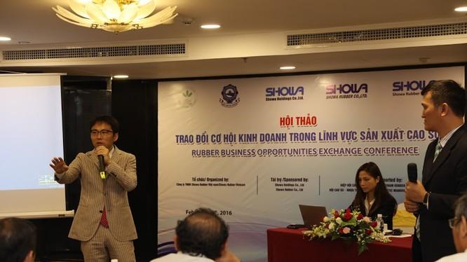 Đại diện Showa Rubber chia sẻ cơ hội hợp tác với các doanh nghiệp cao su Việt Nam.