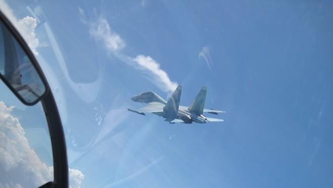 Video: Những hình ảnh cực hiếm, trực tiếp từ buồng lái Su-30MK2 Việt Nam