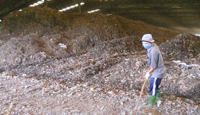 Một khu xử lý rác tại TPHCM - Ảnh: Văn Nam