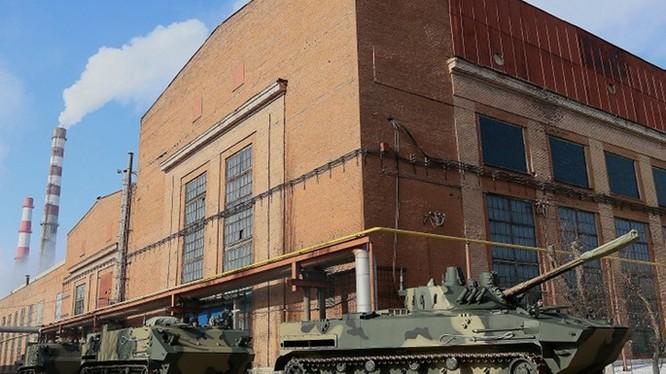 Hãng chế tạo xe thiết giáp chở quân BMP của Nga bị đưa ra toà xin cho phá sản - Ảnh: TASS