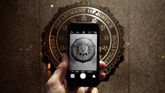 Apple đang phải đối diện cuộc chiến với FBI.