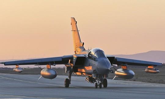 Chiến đấu cơ Tornado GR4 của RAF tại căn cứ không quân Akrotiri ở Cyprus. Ảnh: PA