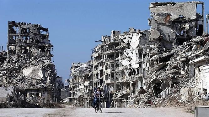Cảnh tượng tan hoang ở TP Homs, phía tây Syria sau 5 năm nội chiến. Ảnh: AP