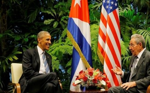 Chủ tịch Cuba Raul Castro (phải) và Tổng thống Mỹ Barack Obama hội đàm tại Havana ngày 21/3 - Ảnh: Reuters.