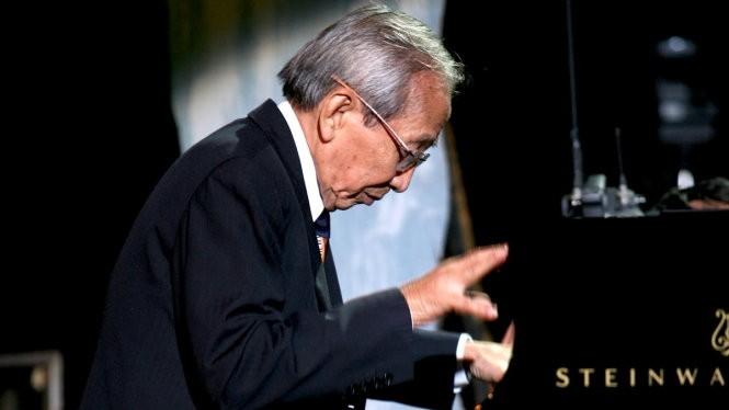 Sau một thời gian chống chọi với bệnh tật, nhạc sĩ Nguyễn Ánh 9 đã ra đi vào chiều nay 14-4, thọ 76 tuổi. Em trai của nhạc sĩ Nguyễn Ánh 9, ông Quang Anh cho biết như vậy.