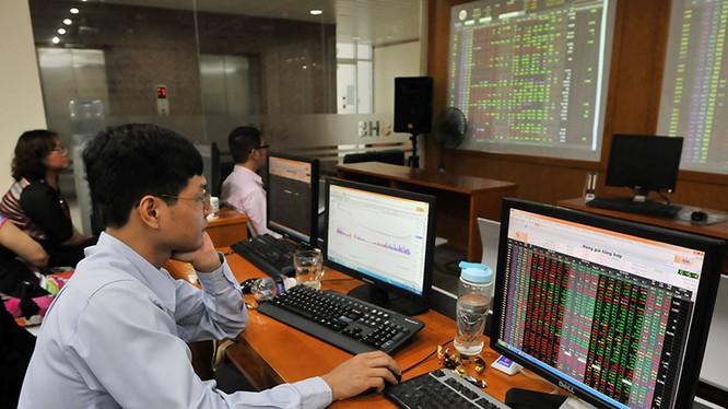 Góc nhìn chuyên gia tuần mới: Nhóm cổ phiếu nào sẽ là tâm điểm?