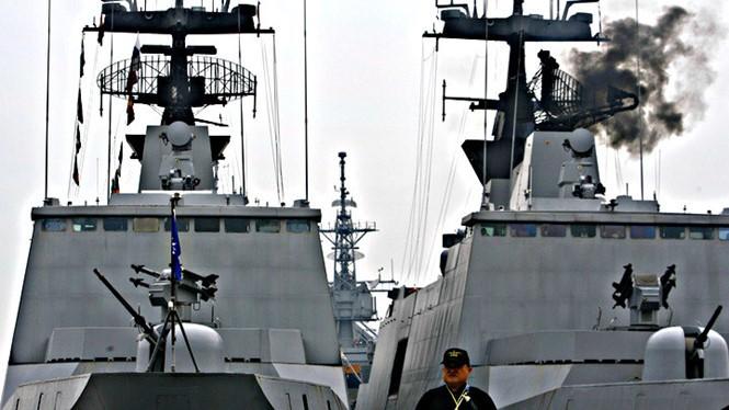 Tàu chiến của Đài Loan được điều đến gần đảo của Nhật ở Tây Thái Bình Dương. Ảnh: Reuters