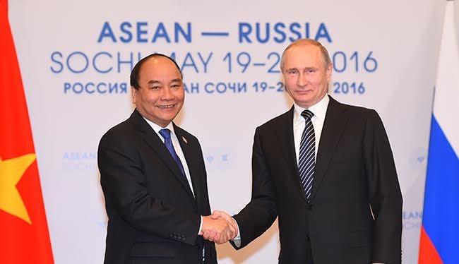 Thủ tướng Nguyễn Xuân Phúc trong buổi hội đàm với Tổng thống Nga Putin.