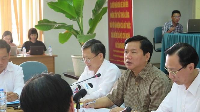 Bí thư Đinh La Thăng chất vấn về sự chậm trễ của dự án khu đô thị Tây Bắc.