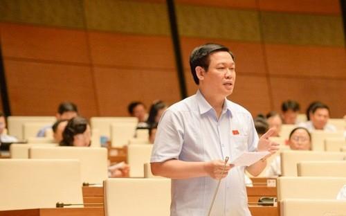 """Phó thủ tướng Vương Đình Huệ: """"Ta cứ nói là cả nước xây dựng nông thôn mới, vậy trách nhiệm của công dân ở các vùng khá hơn thì thế nào?""""."""