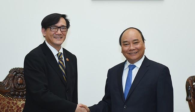 Thủ tướng và Đại sứ Thái Lan tại Việt Nam Manopchai Vongphakdi.