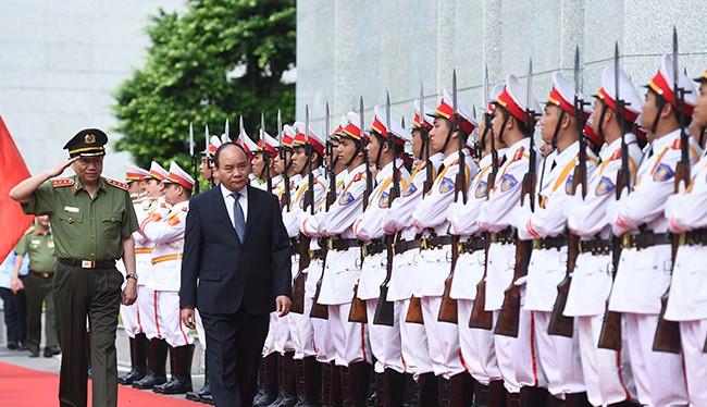 Thủ tướng Chính phủ Nguyễn Xuân Phúc dự và chỉ đạo Hội nghị sơ kết công tác công an 6 tháng đầu năm 2016.